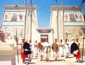 القرية الفرعونية تتبرع من إيراداتها لشراء موسوعات علمية للطلبة المتفوقين