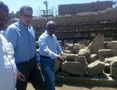 وزير الآثار يصل إدفو لتفقد عدد من المواقع الأثرية بأسوان