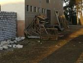 صحافة المواطن..بالصور..قارئ ينتقد إحتلال مواطن لحرم مسجد فى الدقهلية بمخلفات ورشة أخشاب