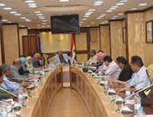 محافظ أسوان يجتمع مع وفد مشروع تطوير الخدمات الحكومية