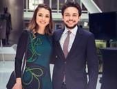 الملكة رانيا تنشر صورة برفقة نجلها الأمير حسين عبر فيس بوك