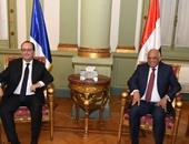 """""""هولاند"""" خلال لقاء رئيس البرلمان: نقدم كافة التسهيلات لإعادة السياحة لمصر"""