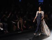 """السارى الهندى يسيطر على موضة الصيف من وحى عروض أسبوع الموضة بـ""""لاكمى"""""""