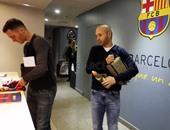 الكلاسيكو.. وصول برشلونة وريال مدريد لملعب كامب نو