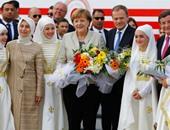 بالصور.. وصول ميركل وتوسك وتيمرمانز الى تركيا لزيارة اللاجئين