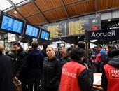 بالصور.. إضراب عمال سكك حديد فرنسا.. والركاب يتكدسون على المحطات