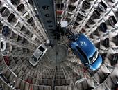 بالصور.. جولة تكشف عبقرية فولكس فاجن فى تخزين سياراتها داخل مصنعها