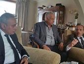"""بالفيديو والصور: السفير المصرى وممثل عن البرلمان يزوران أسرة """"شريف عادل"""""""