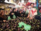 استقرار أسعار الخضروات والفاكهة بسوق العبور والبطاطس بـ3 جنيهات والجوافة بـ4