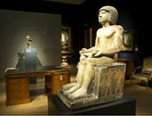 """وداعا تمثال""""سخم كا"""".. ننشر القصة الكاملة لهروب """"كاتب  بناة الأهرام"""" الأكبر من الأيادى المصرية.. يغادر بريطانيا للمجهول.. والمصريون لم يكونوا على دراية به ولما عرفوه """"كَانَ تَسْلِيمُهُ عَلينا وَدَاعَا"""""""