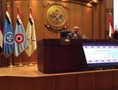 ماجد عثمان يشرح آليات قياس الرأى العام لشباب البرنامج الرئاسى للقيادة
