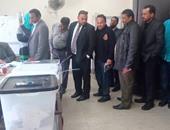 بالصور.. إقبال المحامين على المشاركة فى انتخابات أول نقابة فرعية بمطروح