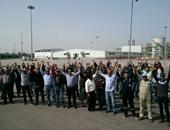 تظاهر العشرات من عمال النظافة بالمحلة للمطالبة بالتثبيت وصرف مستحقاتهم