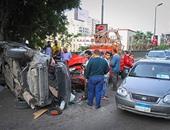 توقف حركة المرور أعلى كوبرى أكتوبر بسبب تصادم سيارتين ملاكى مع ميكروباص