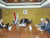 وزير النقل يطالب بزيادة حركة نقل البضائع عبر نهر النيل والسكة الحديد