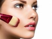 جوجل تمنح الفتيات فرصة تجربة أدوات التجميل عبر الهاتف قبل الشراء