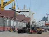 سائقو النقل يغلقون باب ميناء السخنة اعتراضا على التأخير المتعمد فى العمل