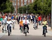 """على خطى """"السيسى"""".. رئيس الوزراء الإسبانى يقود دراجة بشوارع مدريد"""