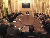 """هل يستمر البرلمان بائتلاف واحد؟..""""المصريين الأحرار"""": وصلنا لـ100 نائب.. و""""الوفد"""": مستمرون فى الاتصالات.. و""""25-30"""" يحمل """"دعم مصر"""" مسئولية إجهاض التجربة الديمقراطية.. و زعيم الأغلبية: لسنا إقصائيون"""