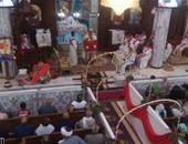 بالصور.. الأنبا بقطر المحرقى يترأس صلوات قداس عيد القيامة بالخارجة