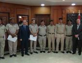 مدير أمن المنوفية يكرم ضابطين و8 أفراد شرطة لتفانيهم فى عملهم