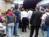 صحافة المواطن: تكدس المواطنين على أرصفة محطات المترو بسبب تأخر القطارات