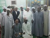 بالصور.. وكيل البرلمان ونائب يشاركان فى سهرة دينية بساحة الميرغنية بأسوان