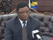رئيس وزراء تنزانيا يقود جنازة ضحايا انقلاب عبارة فى بحيرة فيكتوريا