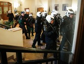 شرطة بلجيكا تعثر على 7 مهاجرين فى حالة شبه تجمد داخل شاحنة فى لييج