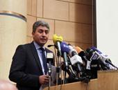 وزير الطيران يوقف إصدار تذاكر سفر خطوط لا تمر بمصر لمنع المضاربة بالجنيه
