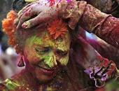 بالصور.. من الهند لإسبانيا.. أجمل احتفالات استقبال الربيع حول العالم