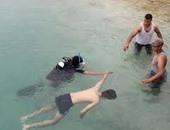 مصرع شخص غرقا وإنقاذ آخر بأحد شواطئ العين السخنة فى السويس