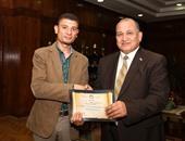تكريم أخصائى بجامعة طنطا لاستحداثه نظامًا جديدًا للفيديو كونفرانس