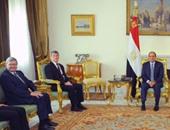 السيسى: زيارة وفد البرلمان الفرنسى رد واضح على محاولات النيل من علاقاتنا مع فرنسا