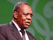 رئيس الكاف يزور أسطورة الكاميرون فى فرنسا اليوم
