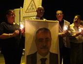 بالصور.. وقفة بالشموع فى السويس تضامنا مع ضحايا الطائرة المنكوبة