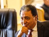 وزير الصحة ينقل تبعية إدارة التجهيزات لمكتبه بعد واقعة رشوة المستشار