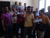 بالصور.. اعتصام عمال شركة المياه بالمنيا للمطالبة بالتعيين