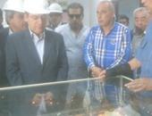 بالصور.. وزير البترول يواصل جولته بتفقد محطة معالجة حقل بكر بغارب