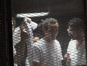 """عبد الرحمن البر للمحكمة بـ""""فض رابعة"""": الأمن تعدى على المتهمين داخل القفص"""