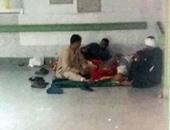 صحافة المواطن-بالصور.. المرضى يفترشون الأرض والقمامة تملأ جوانب مستشفى سوهاج