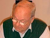 وفاة موريس سينيه رسام الكاريكاتير السابق بشارلى إبدو عن 87 عاما