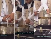 بالفيديو.. تعرف على مراحل صناعة عطور تنظيف الكعبة المشرفة