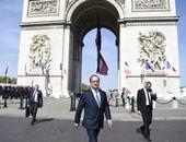 بالصور.. أولاند يقود الاحتفالات بذكرى انتهاء الحرب العالمية الثانية فى باريس