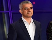 أول رئيس مسلم لبلدية لندن يؤيد كلينتون لرئاسة أمريكا