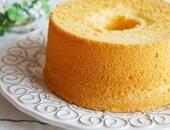 طريقة عمل الكيكة الاسفنجية بسهولة.. لأنها أساس الحلويات