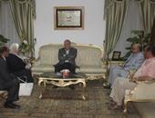 محافظ جنوب سيناء يناقش الاستعدادات النهائية لافتتاح مستشفى طابا وكاترين