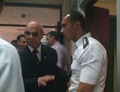 نائب محافظ القاهرة يقدم الورود لضباط قسم شرطة مدينة نصر ثان