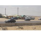 حملة مكثفة لإزالة عربات الفول بطريق القاهرة الإسماعيلية تمهيدا للاحتفال بالقناة