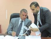 نائب محافظ القاهرة يدرج أسماء 2 من ذوى الإعاقة للحصول على وحدات سكنية بحلوان